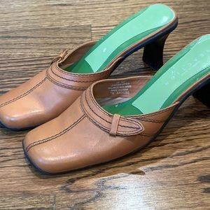 Kenneth Cole Reaction Leather Mule Slides